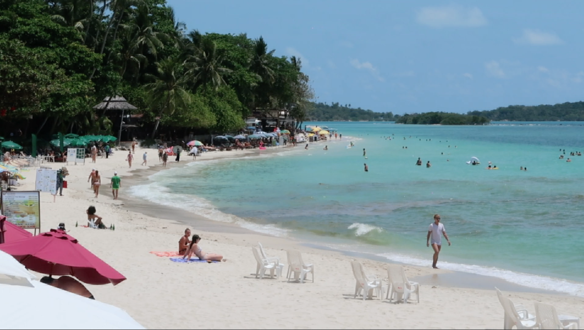 Chaweng Beach Koh Samui Viewed From Al S Resort All The Hotels In This Guide Have Their Own Front Area